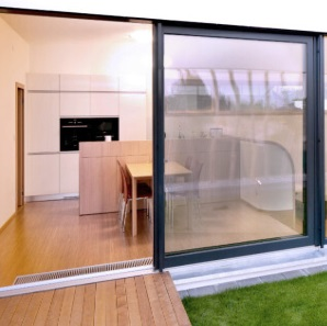 Aluminium tilt and slide doors