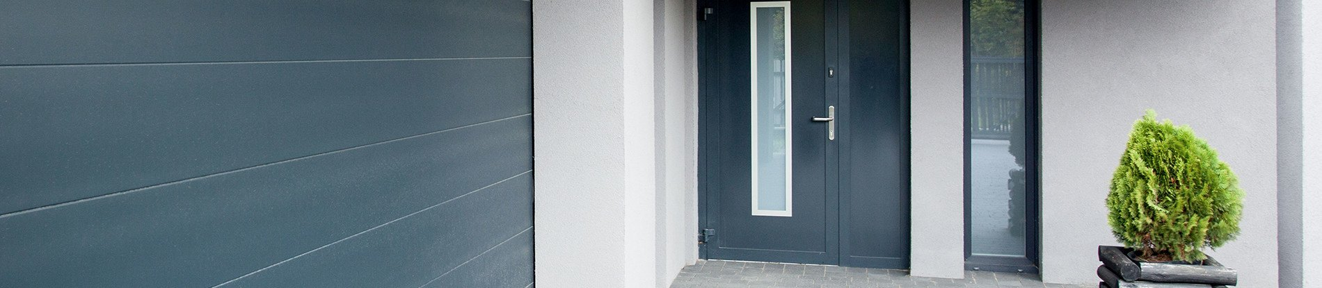 Haustür modern anthrazit  Haustür in Anthrazit und Grautönen der RAL-Farbpalette